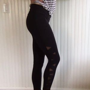 7/8 lululemon leggings with mesh, size 6